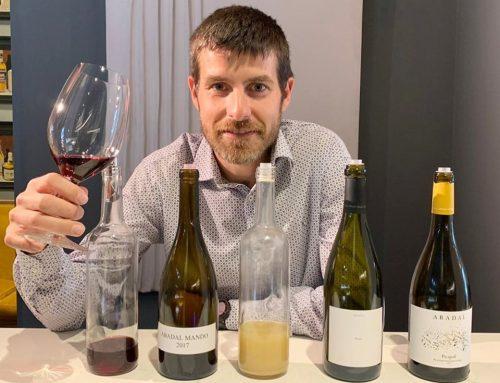 Miquel Palau, enòleg d'Abadal, tasta en exclusiva les varietats tradicionals del Bages i futures anyades dels vins Abadal amb restaurants i botigues de Barcelona