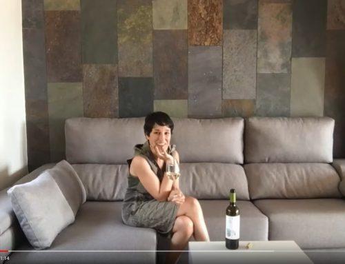 """""""Quan arribo a casa una de les millors coses que em poden passar, és trobar-me un vi fresquet a la nevera"""". Ester Bachs, sommelier, periodista, i autora de la Guia del Vermut"""